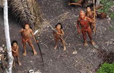 TRIBÙ INDIGENE (MAI CONTATTATE) CONTINUANO AD ESSERE MASSACRATE IN AMAZZONIA