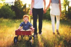 family photography | outdoor family pictures | family | summer | Amanda Lassiter Photography | Daily Fan Feature | Beyond the Wanderlust | Inspirational Photography Blog