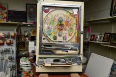 Vintage Nashijin Shiroi Komone Japanese vertical pin ball machine $85.00