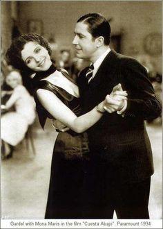 """Escena de la pelicula """"Cuesta Abajo"""", Carlos Gardel -1934"""