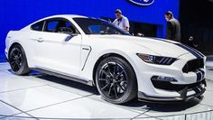 This is the new Shelby GT350 Mustang - BBC Top Gear