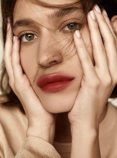 Zarina Nares photographed by Alexandra Nataf for H&M Magazine