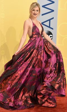 CMA Awards 2016: Best Dresses of the Night - Kelsea Ballerina in a pink floral Michael Costello dress