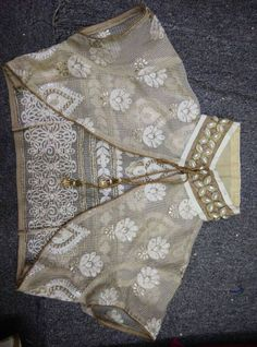 Over coat for the blouse- additional style options: Saree Blouse Neck Designs, Choli Designs, Fancy Blouse Designs, Saree Blouse Patterns, Dress Designs, Stylish Blouse Design, Designer Blouse Patterns, Neck Pattern, Jacket Pattern