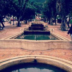 EJE AMBIENTAL Rogelio Salmona. Bogota-Colombia Build A Wall, Pottery Wheel, Urban Landscape, Terra Cotta, Architecture, Building, Water, Outdoor Decor, House