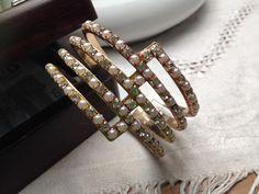 VENDO BRACCIALE rigido dorato con perline e brillantini crystal, altezza 5 cm. 13,00 € DISPONIBILE SUBITO Mi trovate anche su Facebook