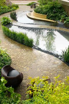 Bradstone Walking Barefoot; RHS Chelsea Flower Show 2006. Sarah Eberle Landscape and Garden Design.