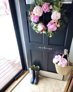 """Better Homes & Gardens on Instagram: """"That moment when winter and spring overlap 🌸 For those of you who are SO over winter, the first day of spring is only a few days away!…"""" #spring #wreath"""