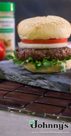 It's time for burgers! Flavor blast some burgers with Johnny's Parmesan Garlic seasoning. Skillet Bread, Artichoke Dip, Bread Rolls, Ground Beef, Parmesan, Burgers, Hamburger, Garlic, Grilling