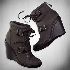 These gorgeous Simply Vera Vera Wang Flicker boots are a stunning way to elevate your collection. The website you link to is not affiliated with or sponsored by qozoq-sex.ml FREE shipping with $50 purchase details FREE store pickup today EXTRA 25% OFF use HOLIDAY25 get your pass. Search by Keyword or Web ID.