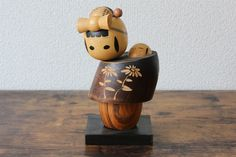 A lovely Masashi Takeda Vintage Creative Kokeshi doll Mother with baby wood carving figurine wood sculpture Vintage Gifts, Vintage Decor, Etsy Vintage, Vintage Shops, Vintage Items, Vintage Style, Antique Collectors, Antique Stores, Antique Tea Cups