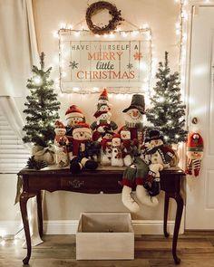 Classy Christmas, Cheap Christmas, Christmas Mantels, Noel Christmas, Christmas Crafts, Merry Little Christmas, Scandinavian Christmas, Outside Christmas Decorations, Christmas Decorating Ideas
