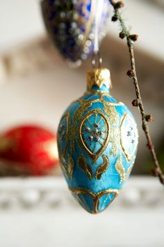 Discover Christmas decorating ideas on House - design, food and  travel by House & Garden. In search of ideas for stylish Christmas decoration we look around designer Francis Sultana's home.