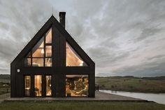 Mountain Cottage by Hola Design