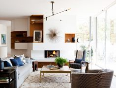 Home Tour: A Bright and Modern Santa Monica Space via @domainehome