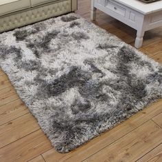Grey fluffy rug bm soft rugs faux fur shaggy home ideas reliable deluxe shag from Dark Carpet, Best Carpet, Green Carpet, Carpet Colors, Modern Carpet, White Carpet, Room Rugs, Rugs In Living Room, Fluffy Rugs Bedroom