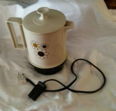 Vintage Regal Poly Hot Pot 5 Cup Automatic Insta Hot(WORKS) truckers camping RV