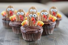 Nutter Butter Turkey Cupcakes for Thanksgiving - Cupcake Daily Blog - Best Cupcake Recipes .. one happy bite at a time!