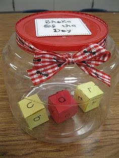 Great for Kindergarten - love this CVC word idea. What do you do to help your lil ones practice CVC words? Kindergarten Rocks, Kindergarten Reading, Kindergarten Classroom, Teaching Reading, Reading Games, Kindergarten Lessons, Guided Reading, Phonics Activities, Classroom Activities