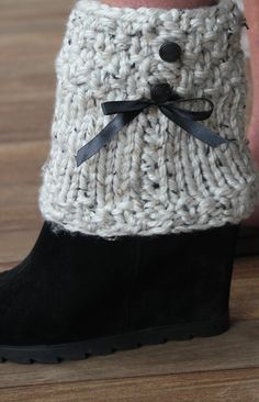 The Perfect accessory for your Ankle boots This Fall. Boot Cozies designed and made by me with the fashionably Chic in mind. Available in an array of Fall Colors and designs. These would also look great with your favorite skinny jeans and Ballet Flats. I own the right to the name of these, it cannot not be copied. Thank You.