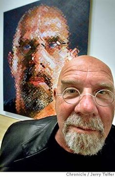 Lesson 4 - Identity boxes Chuck Close with a self-portrait Chuck Close, Portraits, Portrait Art, Famous Artists, Great Artists, Arts Ed, My Arts, Art Plastique, American Artists