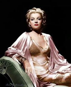 Ann Sheridan in a silk negligée looks every inch the Hollywood actress and singer she was to become. Old Hollywood Glamour, Golden Age Of Hollywood, Vintage Glamour, Vintage Lingerie, Vintage Hollywood, Hollywood Stars, Vintage Beauty, Classic Hollywood, Classic Actresses