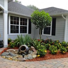 Front yard garden design small front yard landscaping ideas to define your curb appeal small front . Landscaping Around Trees, Small Front Yard Landscaping, Front Yard Design, Landscaping With Rocks, Backyard Landscaping, Backyard Ideas, Florida Landscaping, Backyard Patio, Natural Landscaping