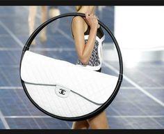 Una collezione di borse particolari, ideali per un look da invidiare Borsa #Chanel