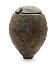 Large stoneware vase and cover with lustre effect, design & execution by Heide van Veen Kiehne (Germany, 1946), in own studio, the Netherlan...