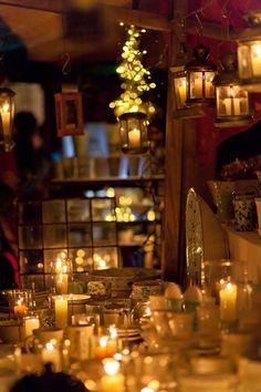 Dießen am Ammersee ist für seine Keramik-Künstler und das Töpferhandwerk bekannt - dieses Kunsthandwerk darf natürlich auf dem Weihnachtsmarkt nicht fehlen.