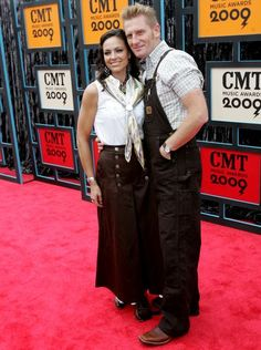 Joey + Rory walk the red carpet before the start of the CMT Music Awards at Nashville's Sommet Center on June 16, 2009.
