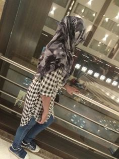 Hijabi Girl, Girl Hijab, Girls Dp Stylish, Cute Girls, Girly Pictures, Girly Pics, Denim Ootd, Hijab Dpz, Profile Picture For Girls