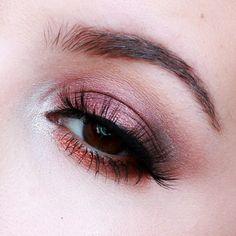 'Warm Fall Eyes' look created by the darling JamiePaigeBeauty using Makeup Geek eyeshadows Burlesque, Corrupt, Creme Brûlée, Mocha, and Peach Smoothie.