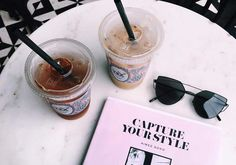 O livro de blogueira que promete upgrade no seu instagram   http://alegarattoni.com.br/capture-your-style/