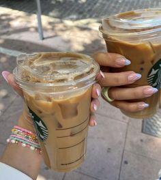 Starbucks Iced Coffee, Coffee Drinks, Coffee Coffee, Starbucks Drinks, Espresso, Best Beans, Coffee Pictures, Coffee Photos, But First Coffee