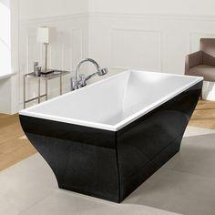 Bathtubs / Badewannen Villeroy & Boch La Belle: Absoluter Hingucker in Ihrem Badezimmer: Die La Belle Badewanne ist freistehend und fungiert so als schicker Blickfang. Gefertigt aus dem rutschhemmenden Quarz-Acryl-Gemisch mit stoß- und kratzunempfindlicher Oberfläche präsentiert sie sich besonders hochwertig. Gleiten Sie rein und genießen Sie die pure Entspannung - auch für zwei Personen ist genug Platz. Ab- und Überlaufgarnitur sind inklusive. #bad #badezimmer #freistehend #schwarz #weiß #reuter #reuterde