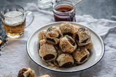 Impress your mates with a plate of these super easy sausage rolls to share! The perfect savoury indulgence for a wintry weekend.