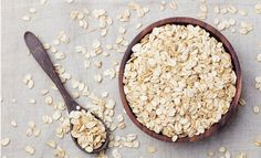 9 Health Benefits of Eating Oats and Oatmeal. Oats are one of the world's healthiest and most nutritious foods. Eating oats and oatmeal has many benefits for weight loss and optimal health. The Oatmeal, Baked Oatmeal, Healthy Oatmeal Recipes, Oats Recipes, Snack Recipes, Health Breakfast, Best Breakfast, Breakfast Smoothies, Most Nutritious Foods