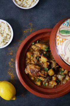Tajine de poulet aux échalotes confites et citron.  #tajine #poulet #maroc #citron #mediterannee #gourmand #semoule #maghreb