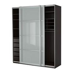 IKEA - PAX, Garderobeskab,  , 200x66x236 cm, , 10 års garanti. Læs betingelserne i garantifolderen.Du kan nemt tilpasse denne færdiglavede PAX/KOMPLEMENT kombination med PAX indretningsværktøj efter dine behov og din smag.Skydedøre gi'r mere plads til møbler, for de kræver ikke plads for at åbne.Hvis du vil ha' orden indvendigt, kan du supplere med indretning fra KOMPLEMENT serien.Indstillelige fødder gør det muligt at afhjælpe ujævnheder i gulvet.