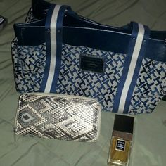 Woman bundle Tommy Hilfiger purse , wallet and coco channel perfume best offer takes it Tory Burch Bags Totes