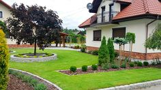 O nas - Greenpoint Ogrody Kielce Outdoor Landscaping, Sidewalk, Construction, Gardening, Mansions, Landscape, House Styles, Ideas, Arquitetura