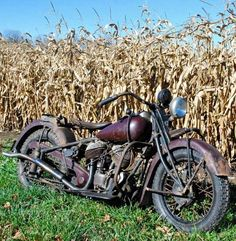 "'44 Spring Frame ""74 c.i."" essential civilian use Indian Chief motocycle, too cool!"