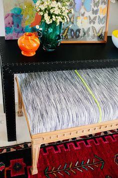 DIY tapizado en piel consola de mesa (y una leche Pintura Mirror!)