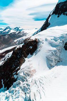 Glaciers near the summit of the Little Matterhorn. Zermatt Switzerland [OC][4000x6000]