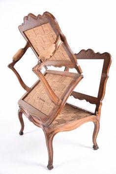 Rare fauteuil à système formant lit, époque Louis XV; XVIIIe siècle, Materiaux :Noyer, Dimensions : L. 170 cm X l. 76.5 cm X H. 98 cm