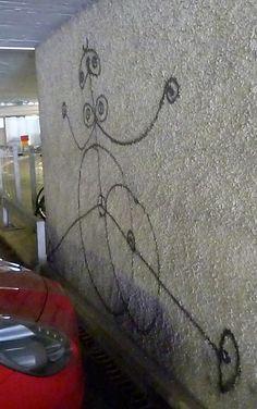Graffiti-Kunst, ein Werk von Harald Naegeli, dem Sprayer von Zürich, zu Beginn der 80er-Jahre entstanden, fotografiert 2013 in der Parkgarage der ETH, Eidgenössischen Technischen Hochschule, Zürich