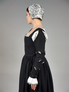 Silk Kirtle - Renaissance, blackworked coif.