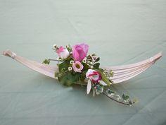 A reed boat flower  arrangement  for Floral Design Magazine. Helen Allen. Verdila Modern Floral Arrangements, Floral Design, Art Floral, Ikebana, Flower Decorations, Contemporary, Flowers, Facebook, Floral Arrangements