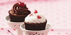 Delicia Light   Cupcake light de merengue, chocolate e ganache